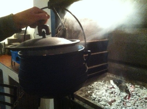 5-braai pot steaming